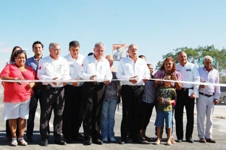 Inaugura Egidio puente de distribuidor vial 'La Laguna'