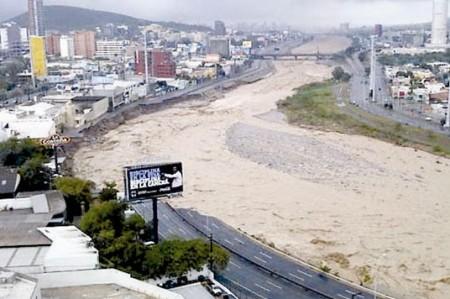 """""""Alex"""" dejó daños en Monterrey por más de mil 282 millones de pesos"""