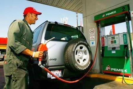Prevén que precios de gasolinas bajen en uno o dos años