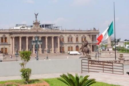 Transmitirá Gobierno de Nuevo León Final en la Macroplaza