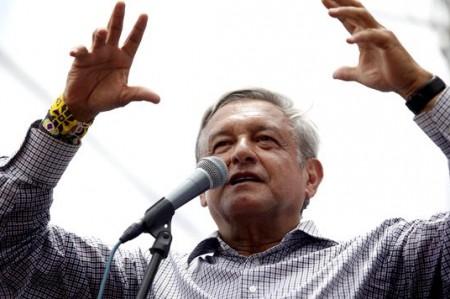 """Clouthier será """"zar"""" ciudadano anticorrupción, dice López Obrador"""
