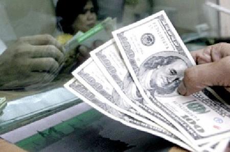 Continúa dólar y euro al alza