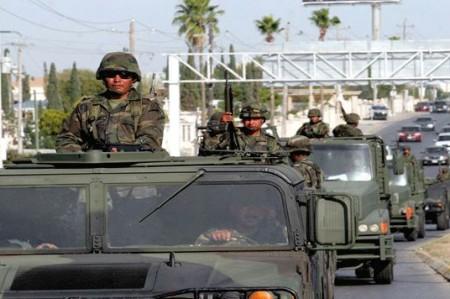 Mueven soldados para combatir delincuencia en dos estados