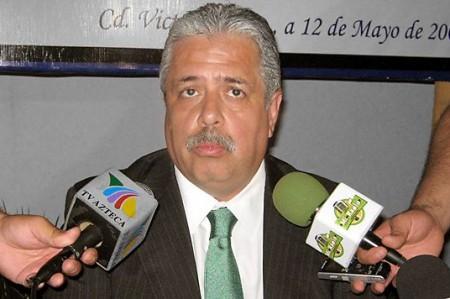 El nombre de Rodolfo Torre seguirá en las boletas del 4 de julio