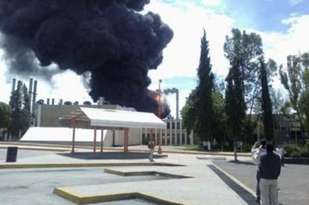 Explosión en refinería de Hidalgo; fallecen dos trabajadores