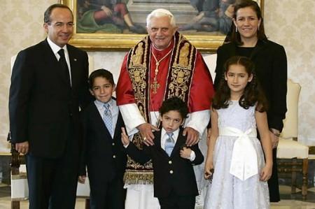 Invita Felipe Calderón al Papa Benedicto XVI a vistar México