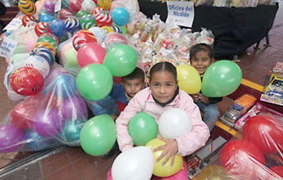 Regios Invitan Donar Juguetes A Para Niños dBroCxeW