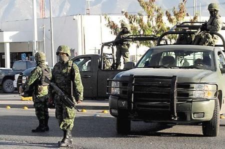 Lanzan granadas a sede policiaca en General Terán, NL