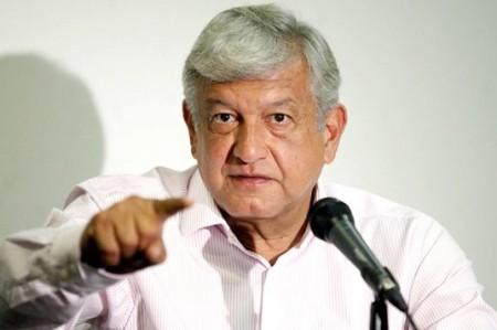 López Obrador critica a Peña Nieto por indefinición ante IVA