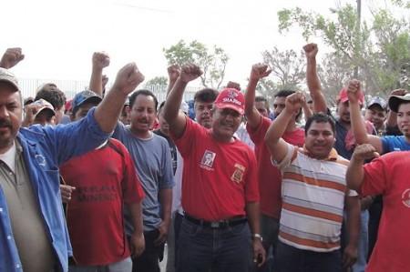 Mantienen paro 400 trabajadores de Sigosa