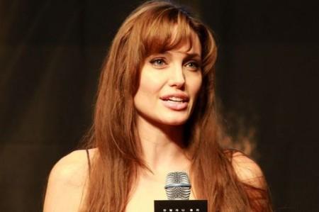Niegan que Angelina Jolie esté embarazada