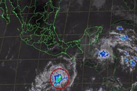 Alertan por formación de ciclón tropical al sur de Oaxaca