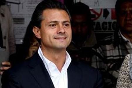 Peña Nieto aventaja elección presidencial con 42%