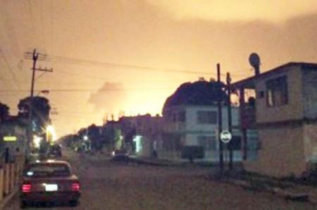 Pemex evalúa causas de accidente en refinería Madero