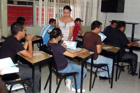 Urge INEE a acelerar evaluación de docentes