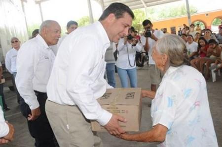 Propone gobernador reubicación de familias damnificadas por crecida del Bravo