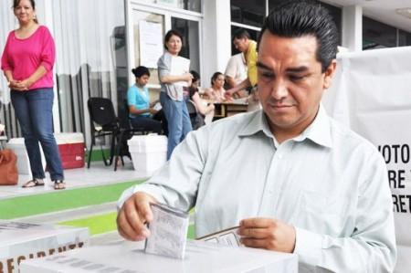Reconoce Felipe Enríquez su derrota en Monterrey