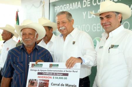 Arranca Egidio entrega regional de apoyos al campo