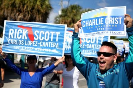 Salen latinos a votar en Miami