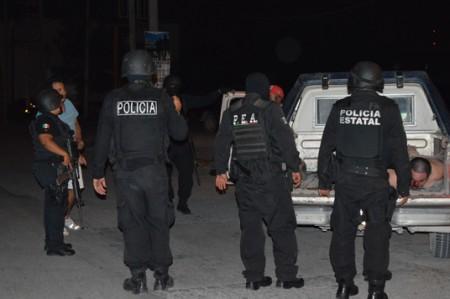 Investigan a ocho policías; balean a niña embarazada