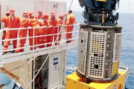 Falla eléctrica suspende actividades en refinería Madero
