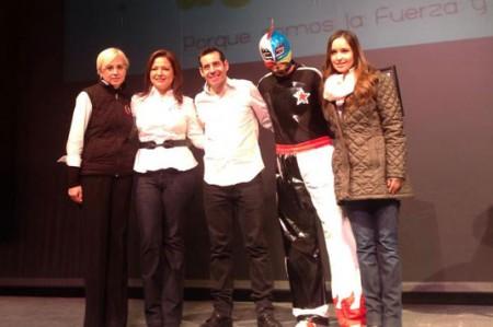 Exhortan Yordi Rosado y el Tacubo a dejar adicciones
