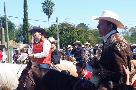 Realizan cabalgata en San Fernando