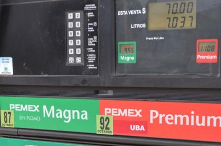 Baja la gasolina en la frontera