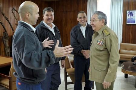 Diálogo entre gringos y cubanos hasta enero