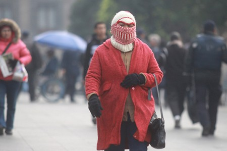 Protección Civil de Nuevo León alerta por bajas temperaturas