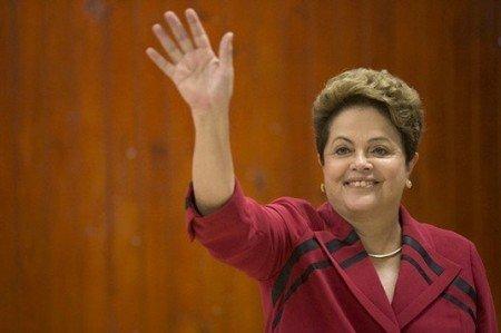 Senado de Brasil inicia reunión para definir futuro de Dilma Rousseff