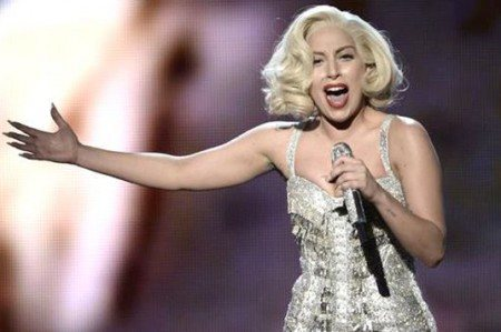 Lady Gaga rendirá tributo a David Bowie en los Grammy