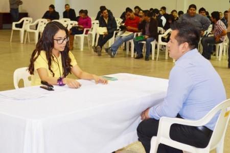 Ofrecen cerca de mil 'chambas' en maquilas de Reynosa