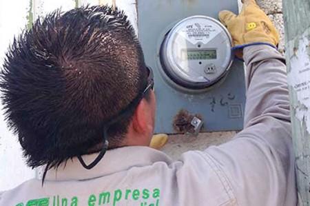 PAN pide a EPN explicar aumentos a gasolina y electricidad