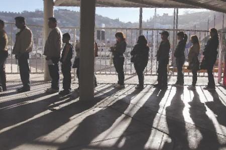 Estados Unidos deporta a dos prófugos de la justicia mexicana