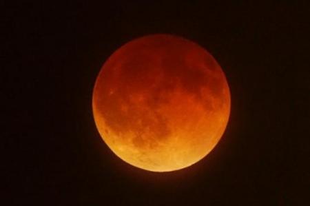 Recomendaciones para observar la 'Luna de sangre'
