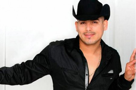 Espinoza Paz llega a México para presentar su disco 'Para mi ex'