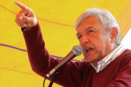 Asegura López Obrador que Morena acabará con corrupción en la capital