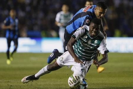 Santos sufre ante unos heroicos Gallos, pero son justos campeones