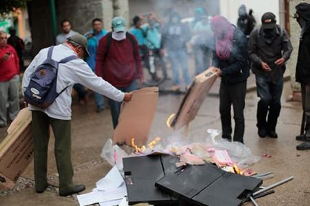 Registran más de 100 detenidos en Oaxaca y Guerrero