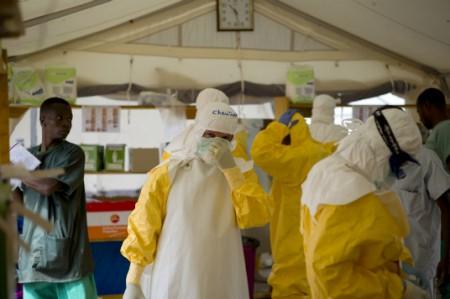 ONU pide a naciones seguir con el combate contra ébola