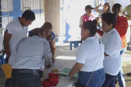 Denuncian 'boletas clonadas' en Nuevo León