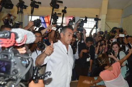 'El Bronco' vence en Nuevo León