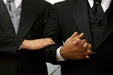 Iglesias cristianas buscan alianza contra bodas gays