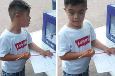 Los niños de Santa Catarina salen a votar