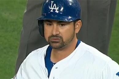 Adrián se va en blanco en triunfo de Dodgers ante Rangers