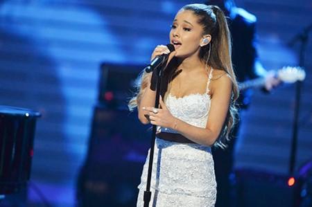Ariana Grande y One Direction competirán por Artista del Año en AMA