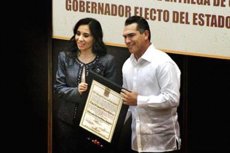 Entregan constancia a gobernador electo de Campeche