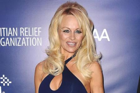 Pamela Anderson no teme a la edad o a las imperfecciones