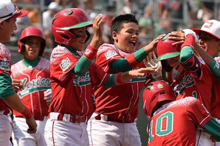 México vence a Australia 14-3 y sigue vivo en Williamsport